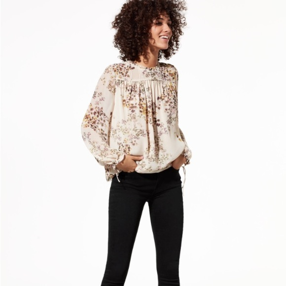 393de9a4674 Aritzia Tops - Wilfred Lourdes blouse in misted yellow   mullein